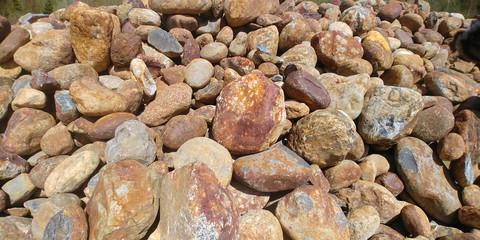 Autokuorma 18ton, kivet 200-500mm, ruskea