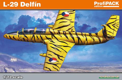 Eduard 1/72 L-29 Delfin (Profipack)