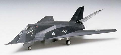 Tamiya 1/72 Lockheed F-117A Stealth