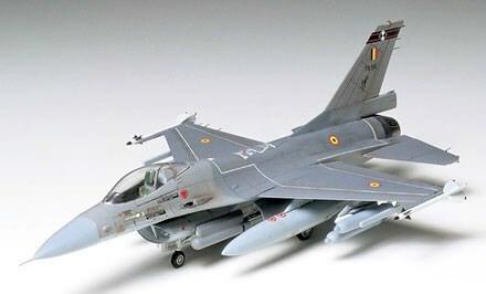 Tamiya 1/72 General Dynamics/Lockheed F-16 Fighting Falcon