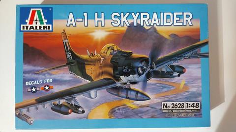 KÄYTETTY Italeri 1/48 A-1H Skyraider