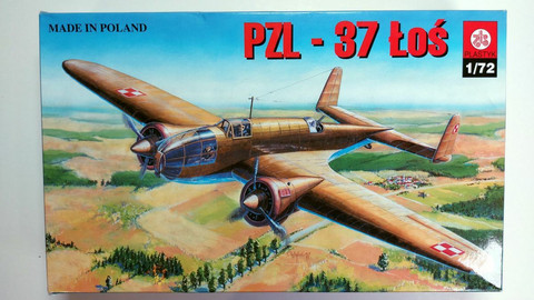 KÄYTETTY Plastyk 1/72 PZL-37 Łoś