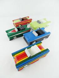 Puinen leikkiauto