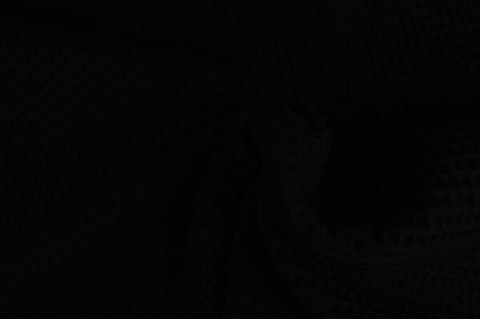 Vohvelikangas, musta