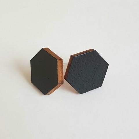 Nappikorvakoru kuusikulmio, musta