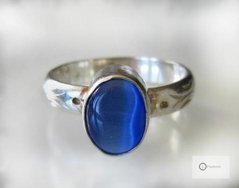 Hopeasormus Sininen Kissansilmä