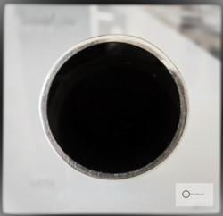 Hopeasormus Suuri Pyöreä Musta Laatta