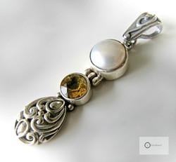 Hopeariipus Valkoinen Helmi, Keltainen Kivi & Ornamentit