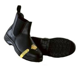 Jacson turvakärjelliset kengät