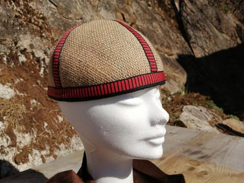 Väinämöisen hattu, somistenauhat puna - musta