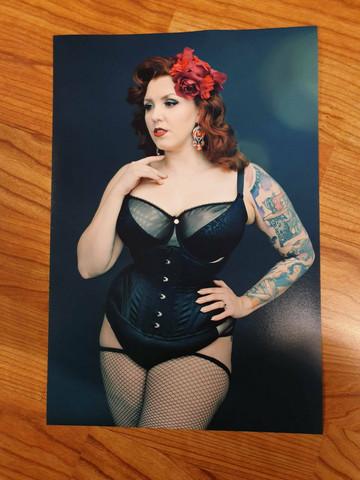 Olivia Rouge print 3