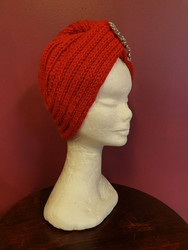 Knitted turban red