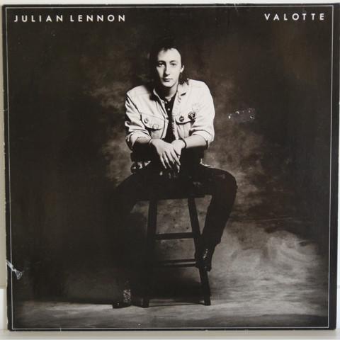 Lennon Julian: Valotte