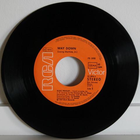 Presley Elvis: Way Down / Pledging My Love