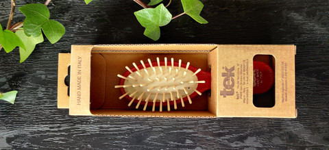TEK Small oval hair brush with short wooden pins Red