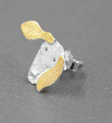 Sterling-hopea nappikorvakorut, mäyräkoira