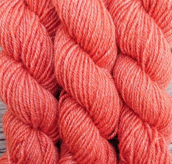 Tilta wool yarn, plant-dyed 25g