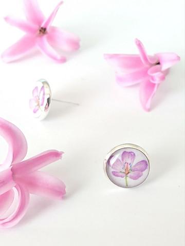 Geranium -stud earrings
