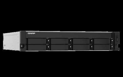 QNAP 8-paikkainen verkkolevypalvelin + 2x500SSD + 3 x 8TB