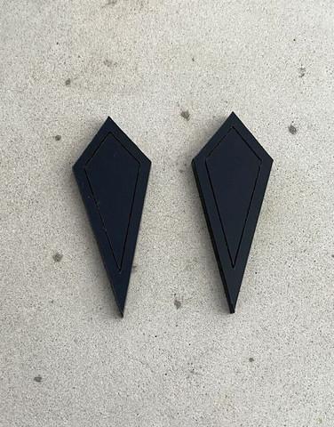 ARROW - earrings, BLACK