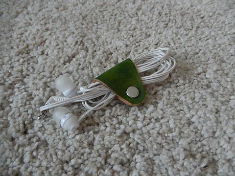 Johtopidike nahkaa, pieni, värjätty vihreä
