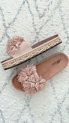 Pörrö sandaalit