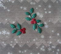 Nellie Snellen kuvioleikkuri + kohokuvioija Holly Berries small