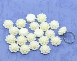 Resiini krysanteemit luonnonvalkoinen 10kpl 15mm