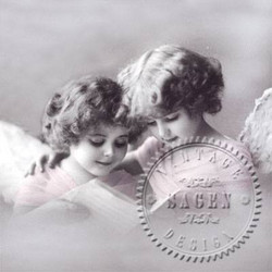 Servetti Enkelit, vaaleanpunaisessa mekossa