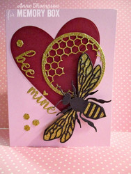 Memory Box Intricate Bee -stanssi