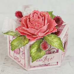 Heartfelt Creations Treasured Heart Gift Box -stanssisetti