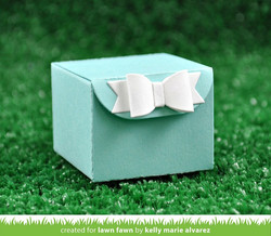Lawn Fawn stanssisetti Tiny Gift Box