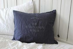 Heaven Linen tyynyliina yön sininen logolla, Käinby