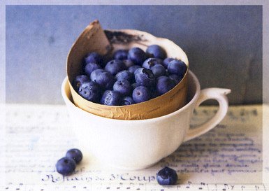 Blueberries in the cup