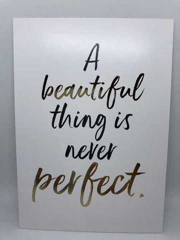 A beautiful thing is never perfect - folioitu postikortti