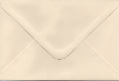Solid color envelope 12.5x18.5cm - creamy white