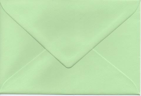 Yksivärinen kirjekuori 12.5x18.5cm - vaaleanvihreä
