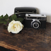Camera and rose (14x14cm)