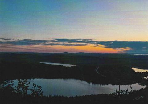 Auringonlasku järvellä #2
