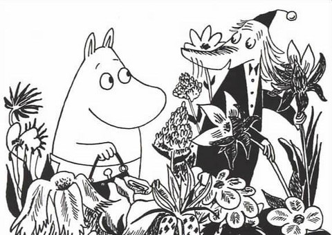 Black and white Moomins - Moominmamma and Fillyjonk
