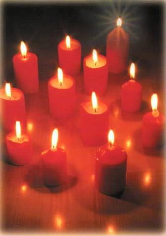 Joulukortti - Punaiset kynttilät