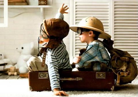 Pilot kids in a suitcase