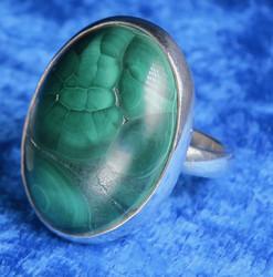 Malakiitti hopeasormus 19mm säädettävä, kivi 18x25mm nro3, uniikki