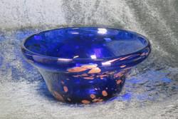 Malja sininen lasikulho, lehtikultaa lasin sisällä