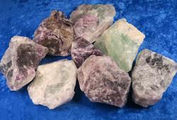 Fluoriitti violetti tai vihreä raakapala 30-40g Kiina