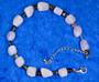 Rannekoru kunziitti, väleissä monen värisiä turmaliineja 19-24cm