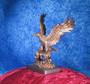 Patsas Kotka, kuparipinnoitettu, korkeus 21cm, katse oikealle
