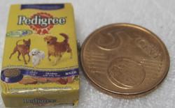 Nukkekodin ruoka: koiranruokapaketti  Bedigree, minikoko