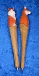 Kuivamustekynä: kettu, puuta