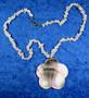 Kaulakoru: Opaalihelmet 42cm ja  simpukkariipus. Unikki